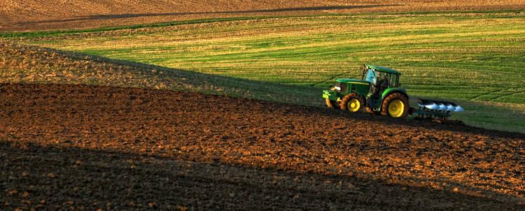 ¿Cuándo cambiar el aceite de un tractor?
