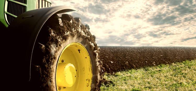 Dentro del Motor de un Tractor