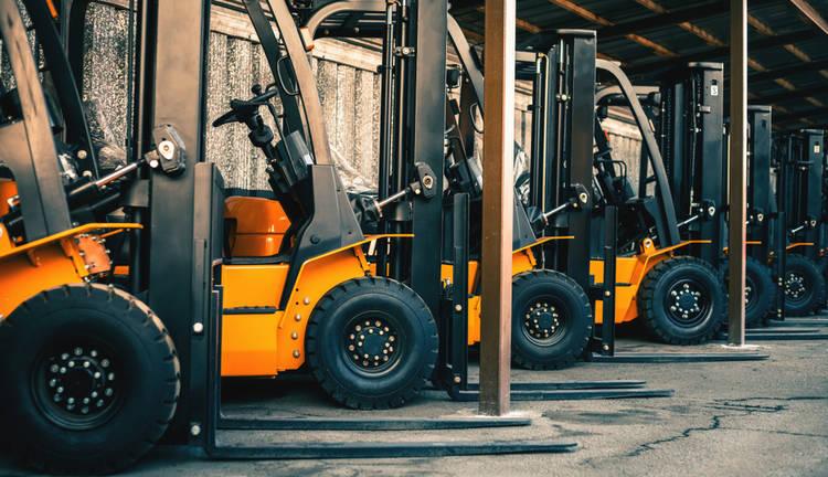 Máquinas Populares en la Industria: Montacargas