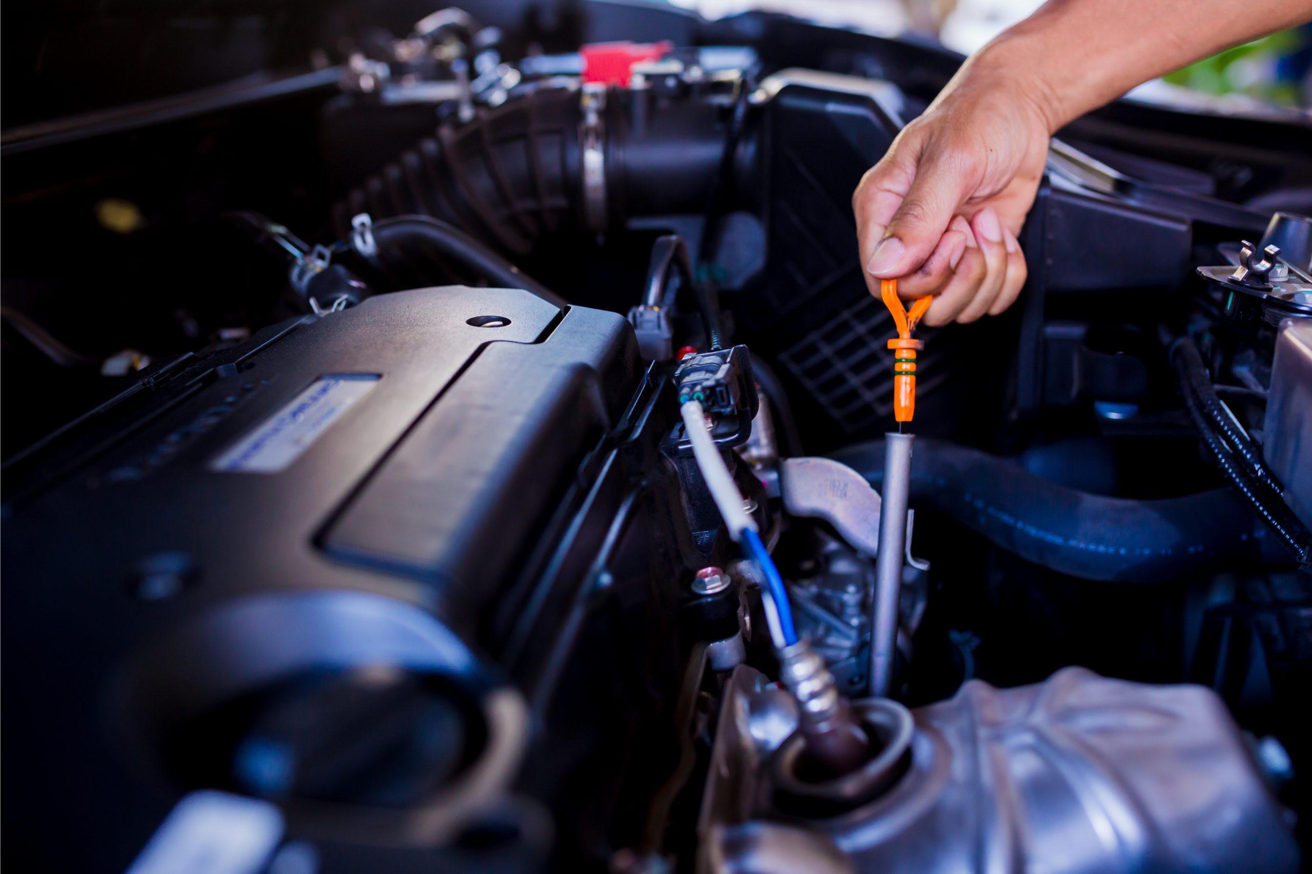 ¿Qué es y cuándo realizar el servicio de afinación a mi auto?