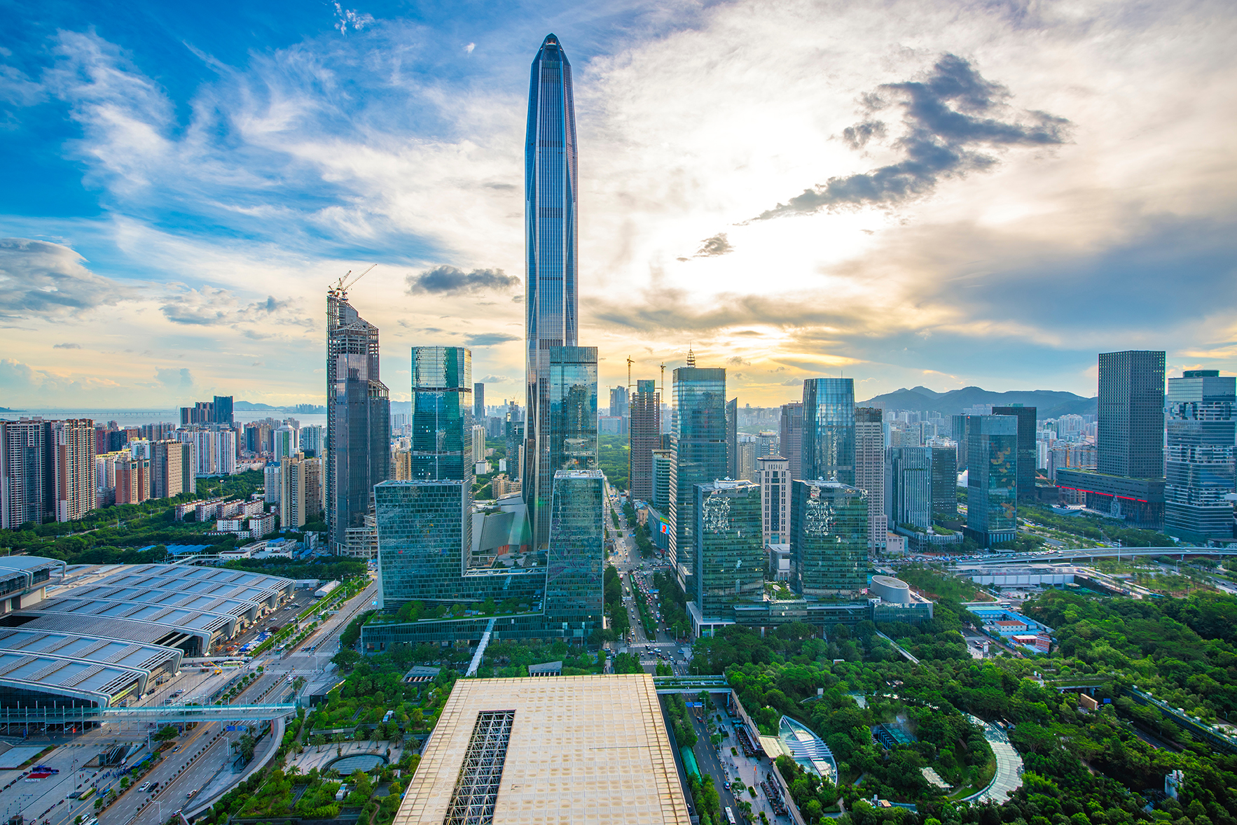 El Ping An Finance center cuenta con 115 pisos entre los cuales, un centro comercial de lujo