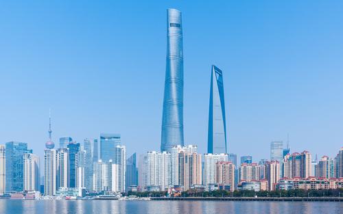 La parcialmente ocupada Shanghai Tower en China